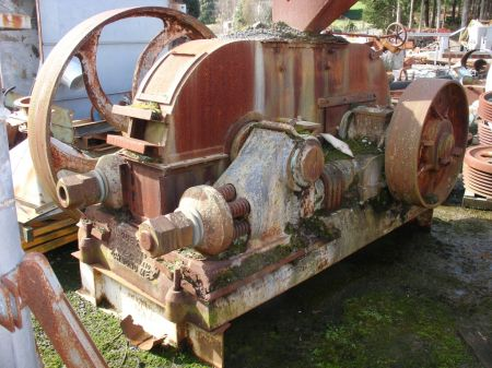 Jaques Roll Crusher