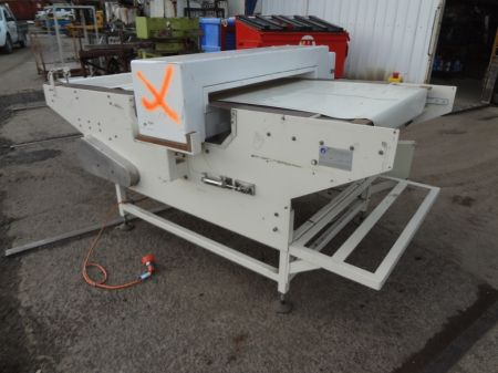 Conveyor and Metal Detector with Reject Function