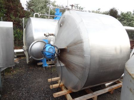1800 Litre Stainless Steel Vertical Tank (Jacketed)