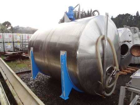 7500 Litre Stainless Steel Horizontal Tank