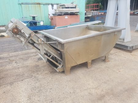 Stainless Steel Tub with Elevating Conveyor