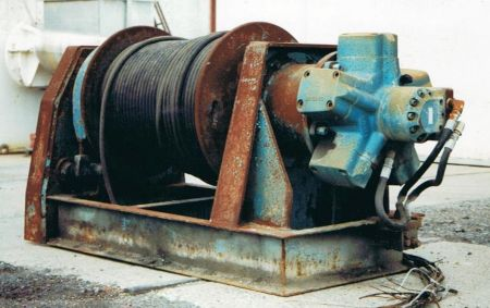 Hydraulic 5 tonne winch